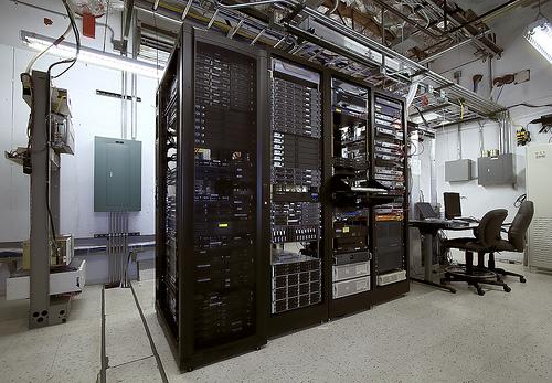 хостинг серверов гаррис мод 13